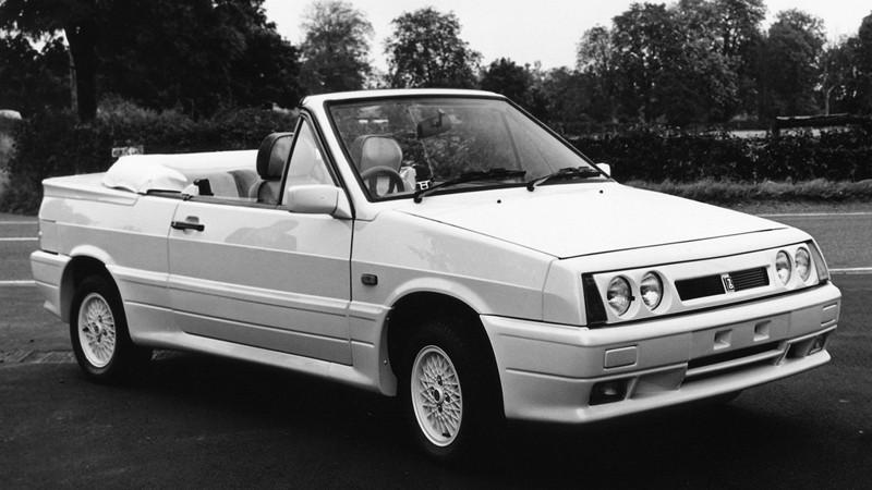 """В конце 1980-х - начале 90-х на волне моды на кабриолеты в Западной Европе начался всплеск интереса к советским машинам с таким типом кузова. В первую очередь благодаря их убийственно низкой по сравнению с конкурентами цене. Lada Samara """"San Remo"""" – один из лучших образцов позднесоветского автопрома, созданных на этой волне."""