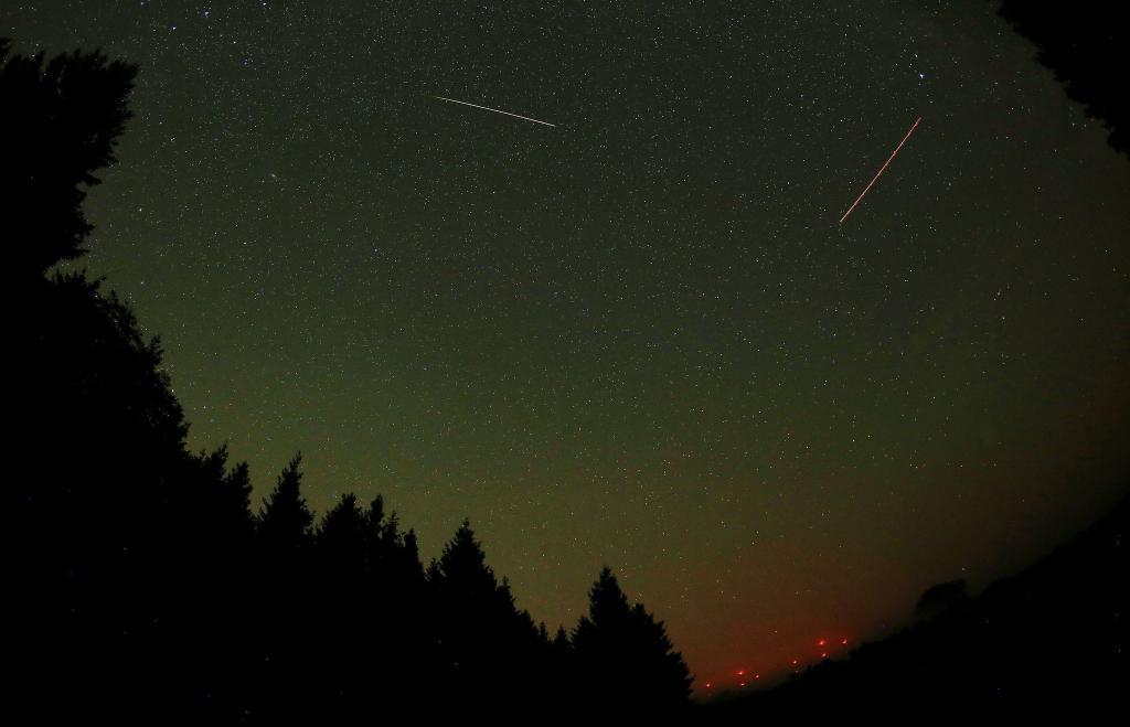 А на третьем - метеорный поток Леониды (90 болидов), действующий с 14 по 21 ноября.