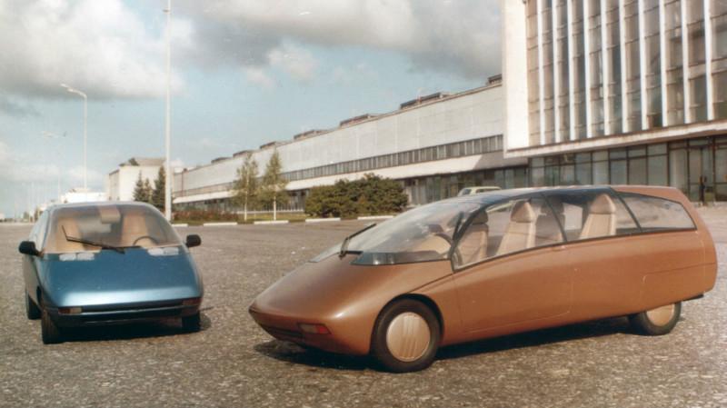 Пожалуй, самый загадочный из концептов ВАЗа, не зря ему присвоили индекс «Х». Единственная информация об автомобиле, изображенном на фото – это то, что в таком футуристическом даже для нашего времени кузове дизайнеры хотели воплотить 7-местный минивэн, и было это в 1990 году.