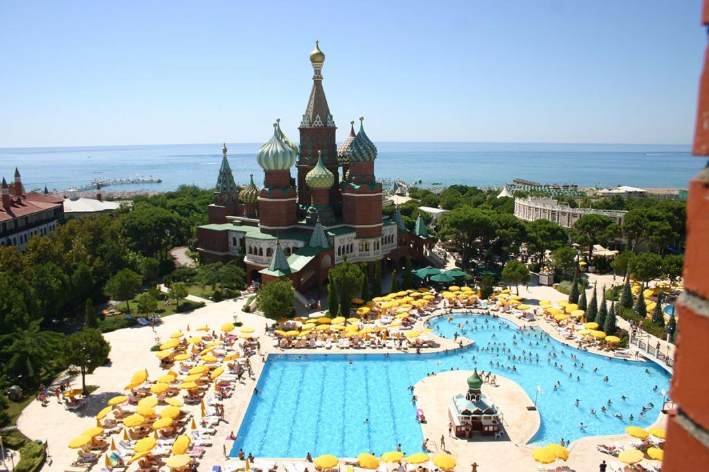 13Wow-Kremlin-Palace-Hotel-2
