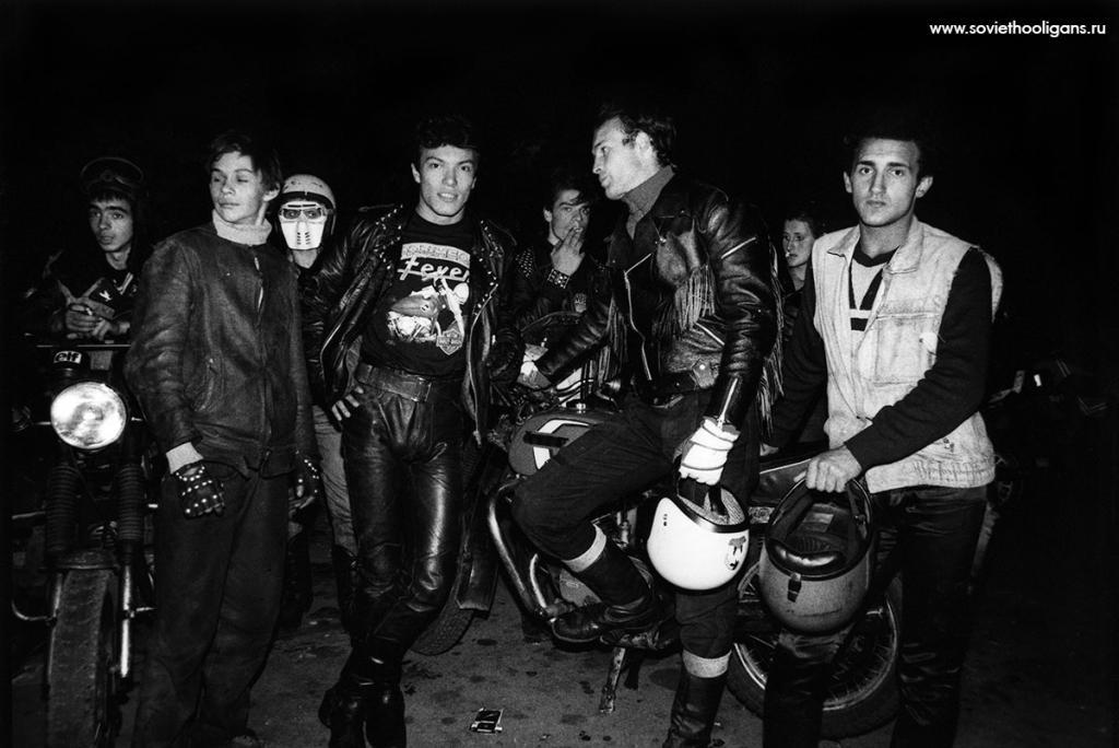 Моторокеры в «Лужниках». Фото Петры Галл, Москва, 1988.