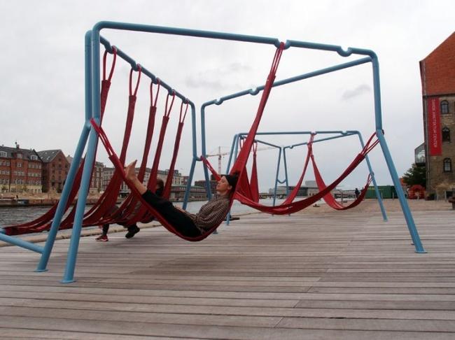 Альтернатива скамейкам — гамаки