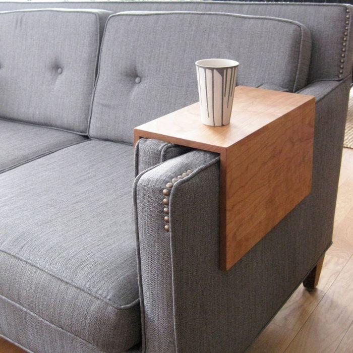 Подлокотник-столик для дивана