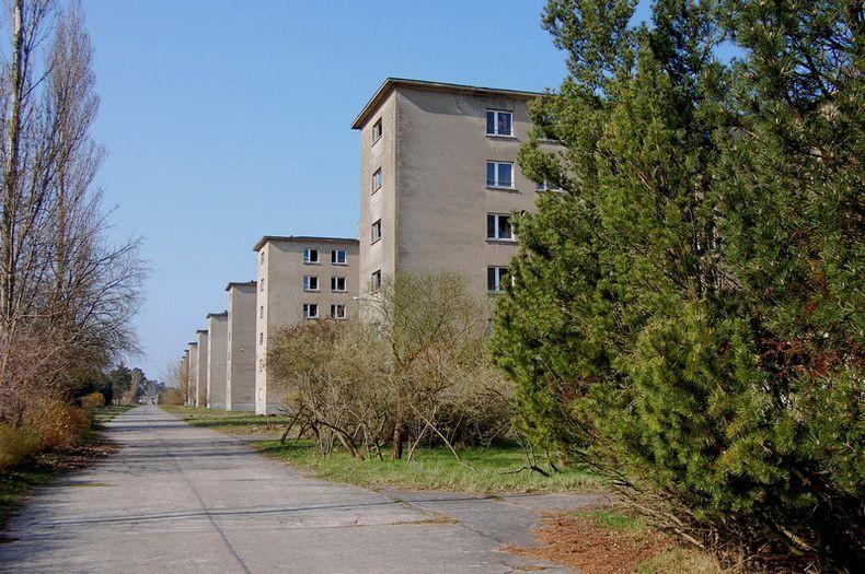 В течение нескольких лет все крупнейшие строительные компании Рейха и около 9 тысяч рабочих были вовлечены в этот проект.