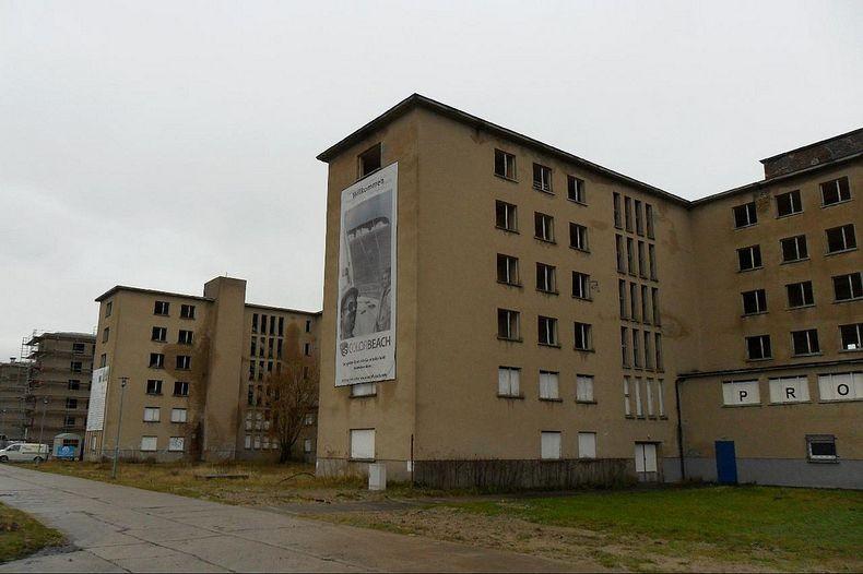 Обширный комплекс, рассчитанный на 20000 отдыхающих, был частью нацистской программы «Сила через Радость».