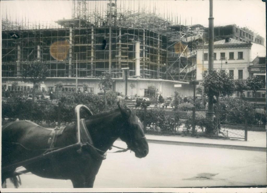 Строительство здания телеграфа в Москве. 1920-е.
