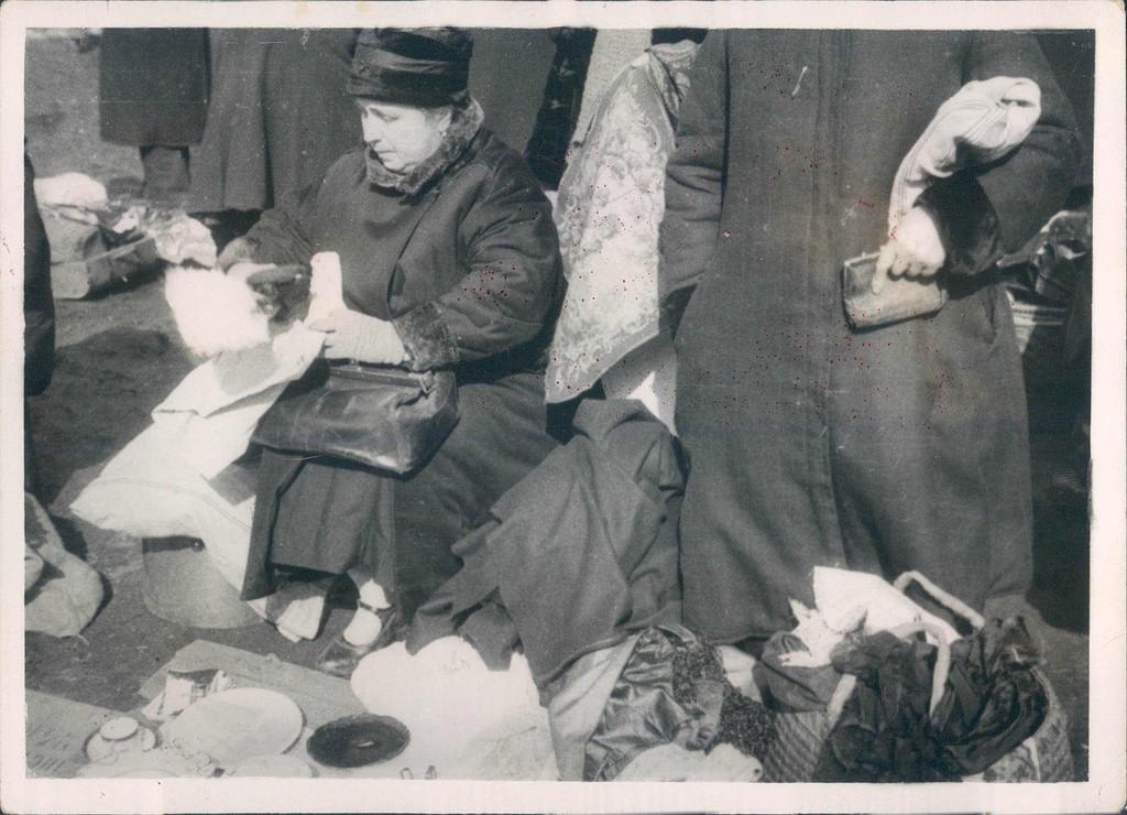 Торговля на Лиговке, Ленинград. 1930 год.