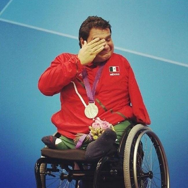 Мексиканец Арнульфо Касторена выиграл свою первую золотую медаль