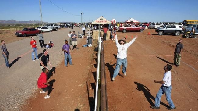 Волейбол на границе США и Мексики