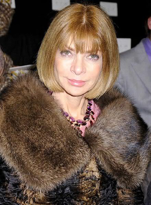 Бессменный главный редактор американского Vogue с 1988 года, самая важная персона в мире моды и тот самый дьявол в Prada, которого сыграла Стрип. Не скрывает своих морщин и, того и гляди, введет в моду и их.