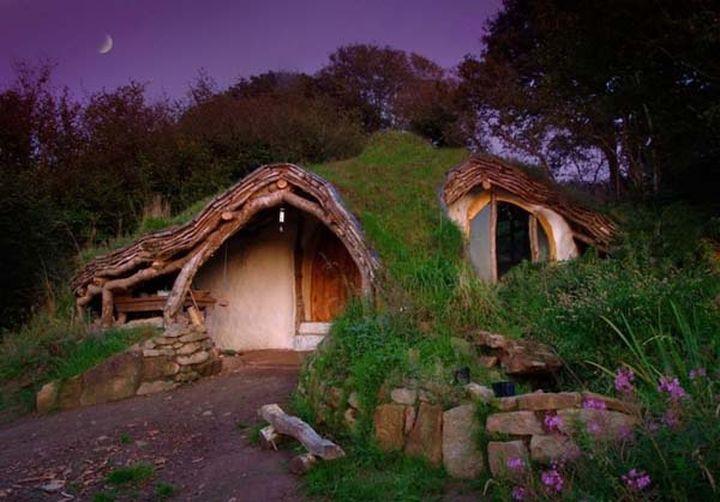 Небольшой лесной домик.