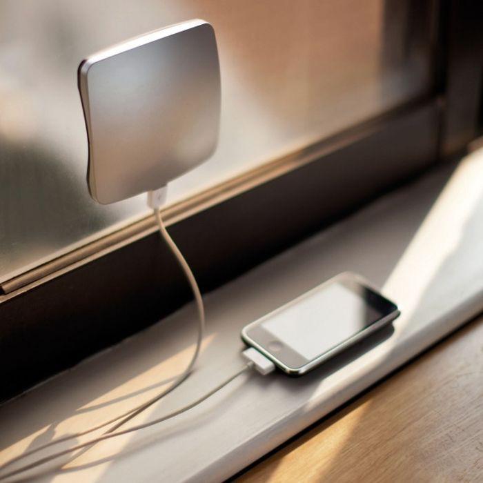 Зарядное устройство, работающее на солнечных батареях