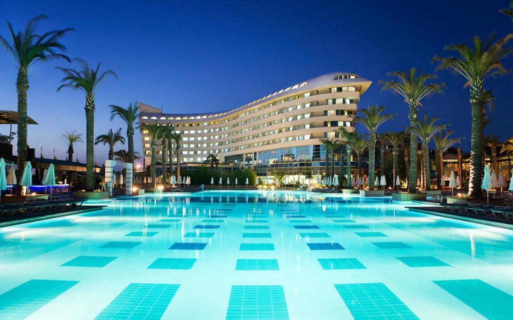 5Concorde-Deluxe-Resort
