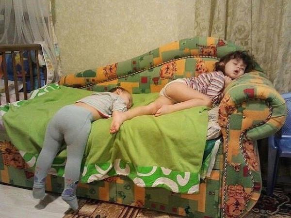 8907510-r3l8t8d-600-sleeping