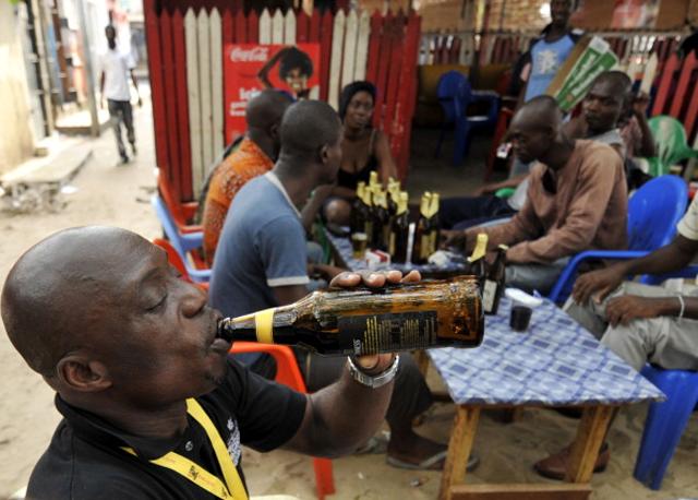 Звание самого опасного в мире пива по праву принадлежит африканскому пойлу под названием Fijjtu, для производства которого использовалась протухшая вода, кишащая паразитами. Пивоваренный завод Fijjtu был закрыт в 2003 году, просуществовав аж целых 5 лет, после того, как выяснилось, что чрезмерное употребление его продукции приводит к кровавому поносу, адской головной боли и рвоте (и это только в лучшем случае). Некоторые ценители этого пива рассказывали, что, находясь в алкогольном опьянении, видели яркие образы. Благодаря этому за этим хмельным напитком закрепилось название «Божья роса».