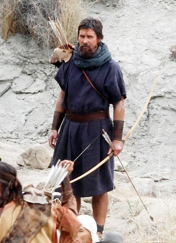 Так как, собственно говоря, никто точно не знает какой вес был у Моисея, поэтому Кристиан просто вернулся к своему обычному весу и стандартно-стройный появится в фильме Ридли Скотта.