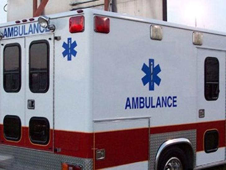 Один чудак разделся догола и стал отжиматься на дороге одной из улиц Портленда — то ли на спор, то ли еще почему — и был сбит машиной.