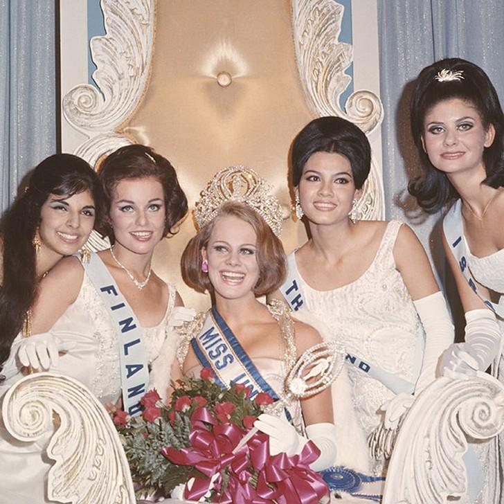 Маргарета Арвидссон, Швеция. «Мисс Вселенная — 1966». 21 год, рост 173 см.