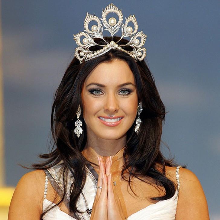 Наталья Глебова, Канада (родом из города Туапсе Краснодарского края). «Мисс Вселенная — 2005». 24 года, рост 180 см, параметры фигуры 87−62−91.