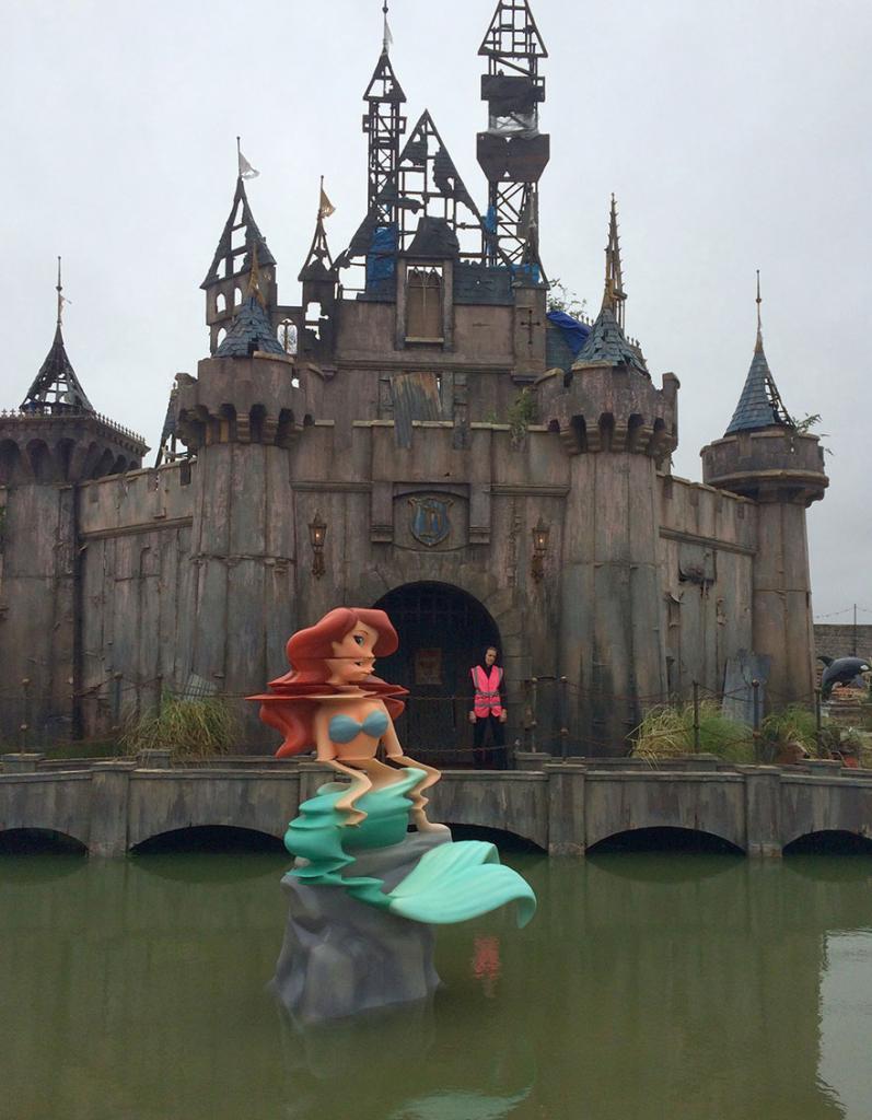 «Дисмаленд» — самый депрессивный парк развлечений в мире