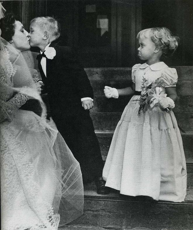 9. Джен Шлетер ревнует Рикки Лоффи к любой другой женщине, даже если это невеста, на свадьбе которой они находятся.