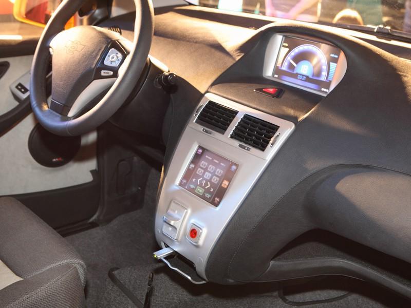 Инвестиции в проект составили более 250 000 000 евро. Всего было выпущено 4 экземпляра этого авто, одна машина была подарена Владимиру Жириновскому. Выпущенная модель (Ё-Crossback EV) имела не пятидверный, а трёхдверный кузов с оригинальным внешним видом, силовая установка была не гибридной, а электрической. 7 апреля 2014 года проект был закрыт.