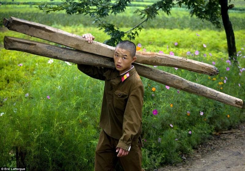 insideNorthKorea01-800x561