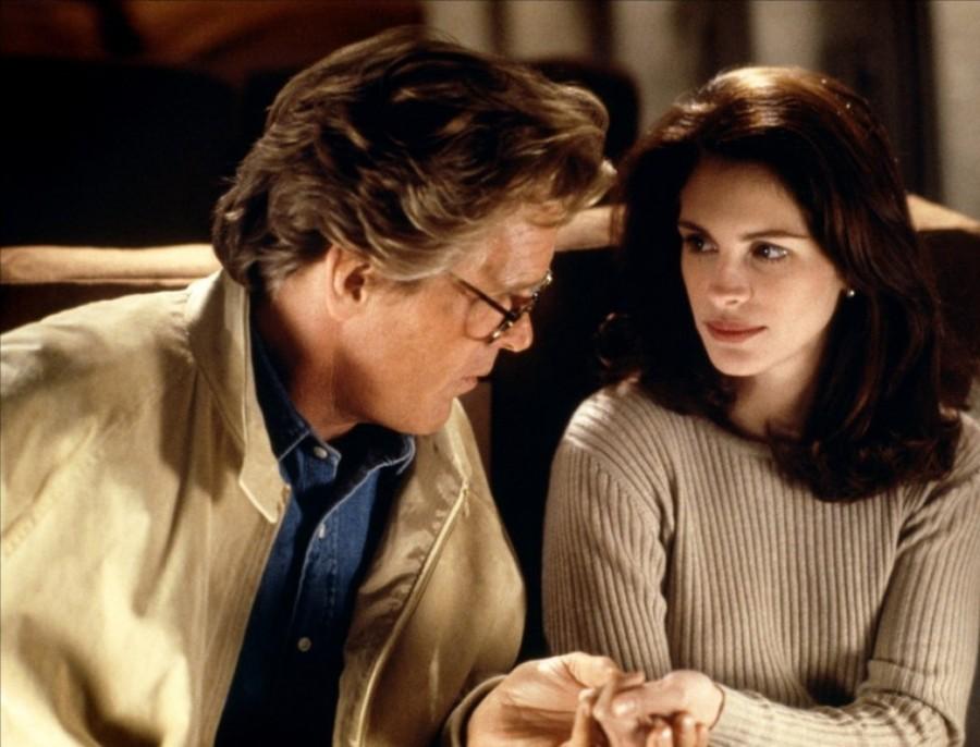 Романтическая комедия Чарльза Шайера «Я люблю неприятности» только самого простодушного зрителя может ввести в заблуждение — всем давно известно, что Джулия Робертс любезна, очаровательна и добра только на экране, в жизни вытерпеть ее несносный характер — то еще испытание. На съемках фильма с Ником Нолти Робертс превзошла сама себя, конфликт между актерами перешел в столь горячую фазу, что даже в некоторых диалоговых сценах их пришлось снимать отдельно друг от друга. Если на экране зрителя обмануть удалось, то вне его актеры даже не старались. Публичное заявление Робертс о том, что Нолти отвратительный человек, Ник парировал тем, что ему о несносном характере Джулии и говорить не нужно, об этом и так все знают.