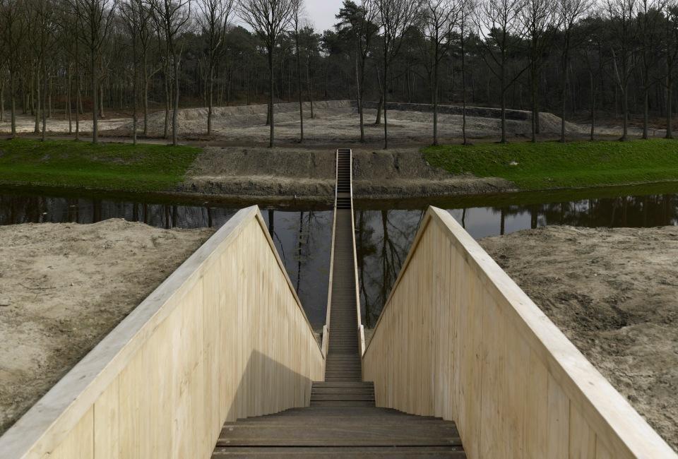 «Мост Моисея» — оригинальный мост в Голландии.