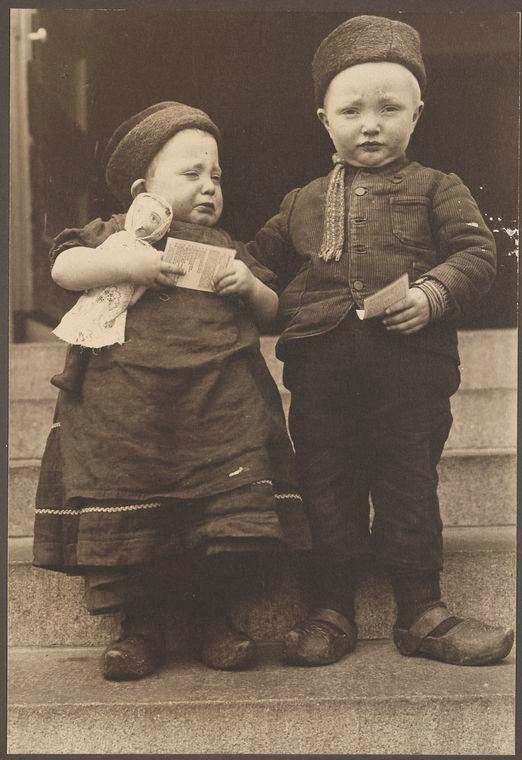 Маленькие голландские иммигранты, 1910 год.