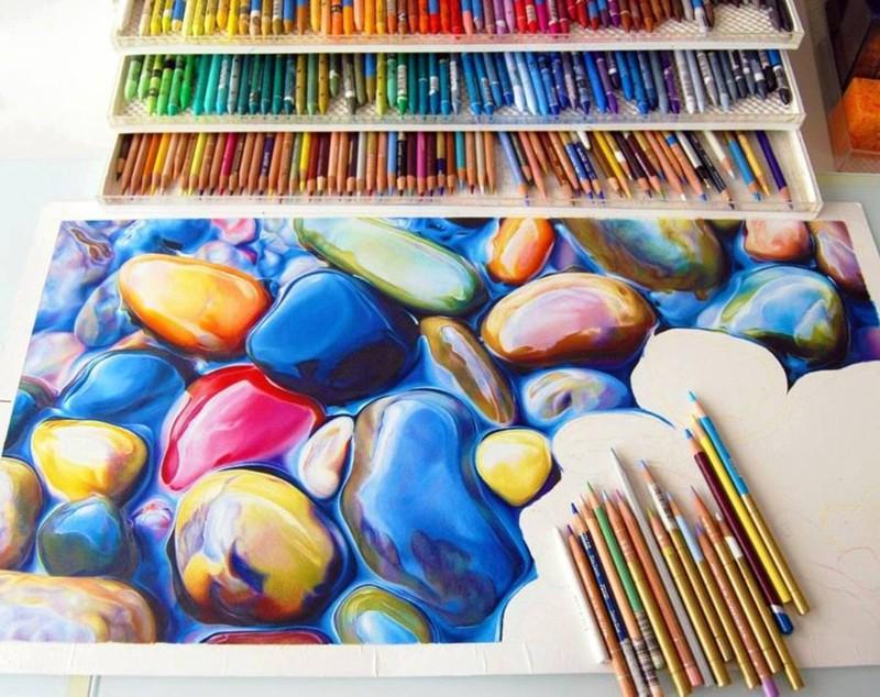 Невероятной красоты рисунок, выполненный цветными карандашами.