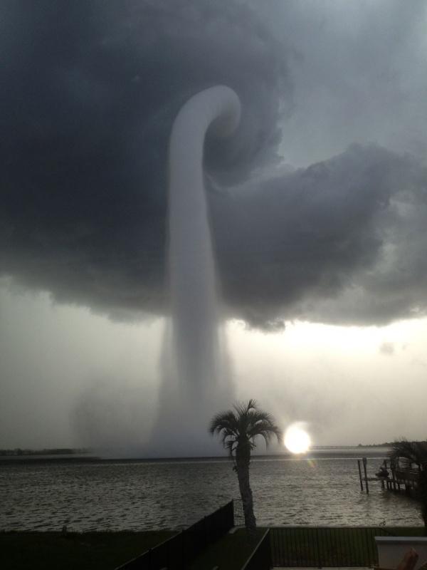 Торнадо в Тампа Бэй, штат Флорида, США