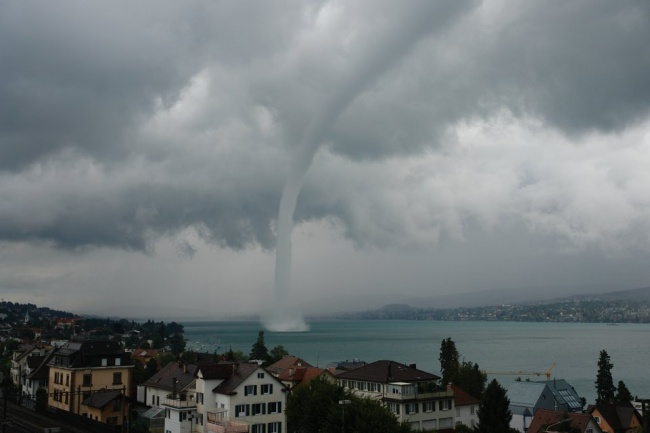 Смерч над Цюрихским озером, Швейцария