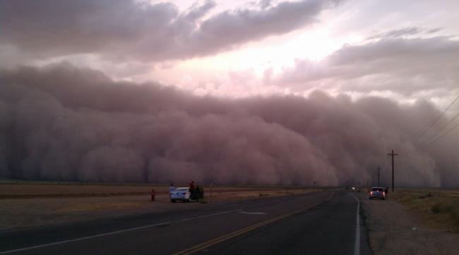 Песчаная буря в штате Аризона, США