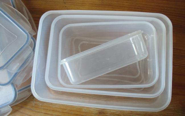 1531810-R3L8T8D-650-plastikoviy-konteyner-dlya-zemlyaniki1