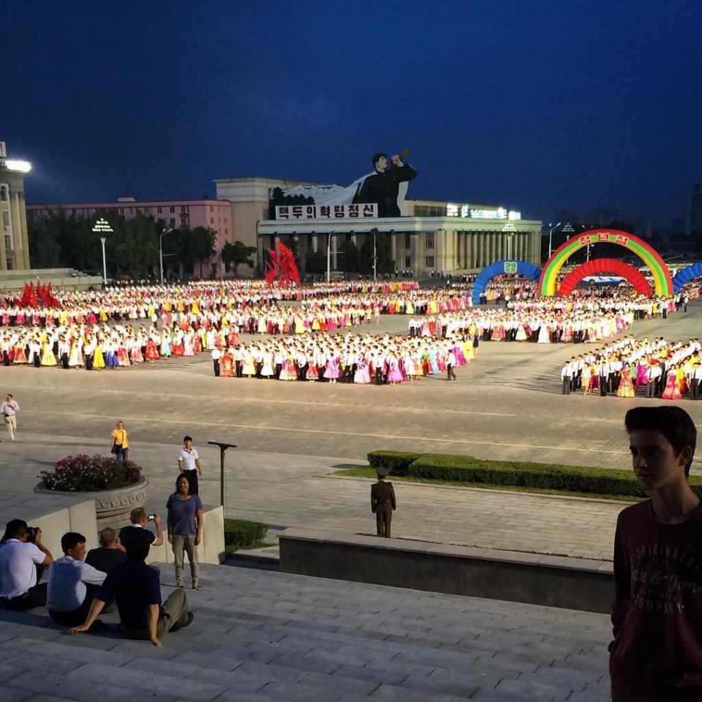 Торжества в Корее всегда эпичны! В танце участвует 50 тысяч человек