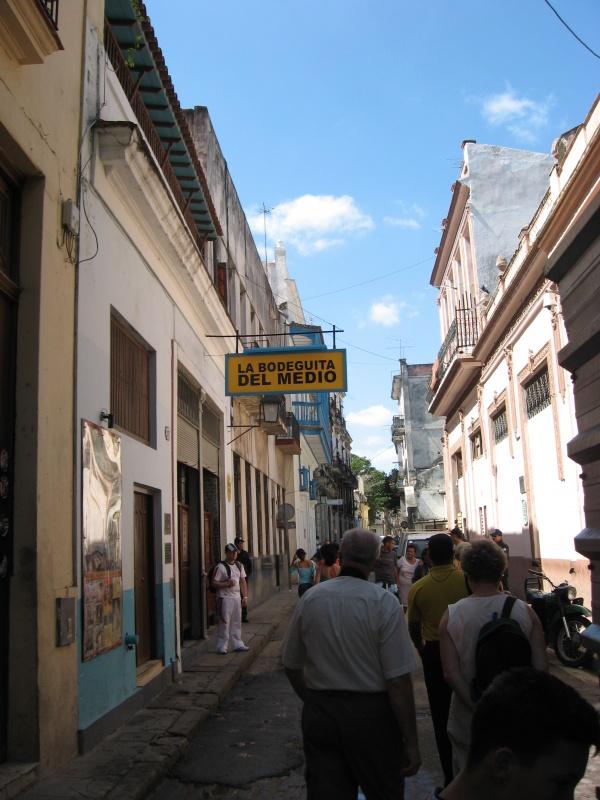 190605-R3L8T8D-600-Bodeguita_del_Medio_Havana