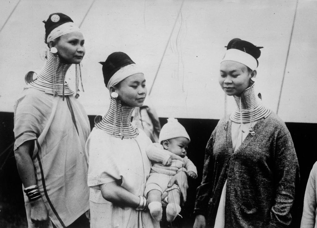UNITED KINGDOM - CIRCA 1925:  Giraffe women of Burma. London, about 1930.  (Photo by Boyer/Roger Viollet/Getty Images)