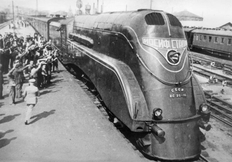 Паровоз ИС20-16. Самый мощный в истории советского паровозостроения. 1937 год.