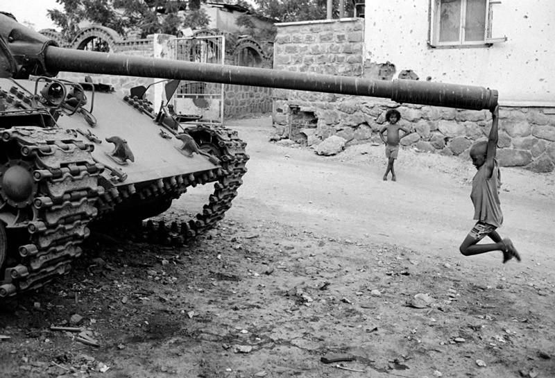 Брошенный танк. Массава, Эритрея. 1991 год.