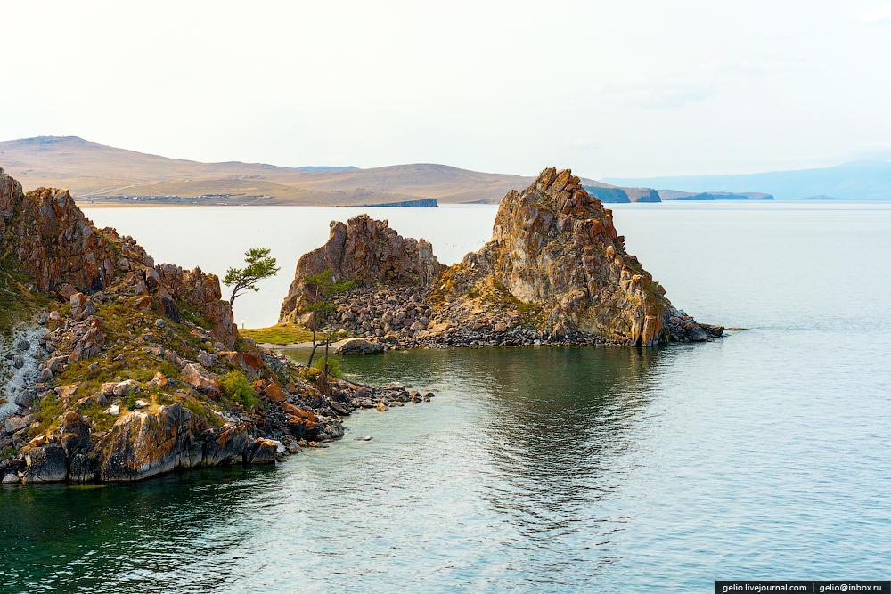 Скала Шаманка — одна из святынь Азии, ставшая знаменитым образом Байкала.