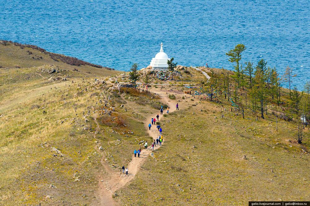 Огой является одним из так называемых «мест силы» Байкала. Многие приезжают на озеро только ради посещения этого места — очиститься и зарядиться духовной энергией. В 2005 году на острове построили священную буддийскую ступу. В народе существует поверье: если обойти вокруг ступы три раза и загадать желание — оно сбывается.