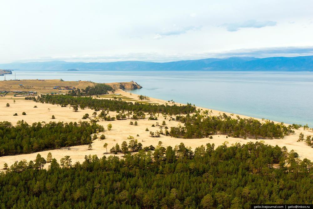 Свое название остров получил от бурятского слова «ой-хон» — «немного лесистый». Поскольку 55% острова — это степи и 45% — леса.