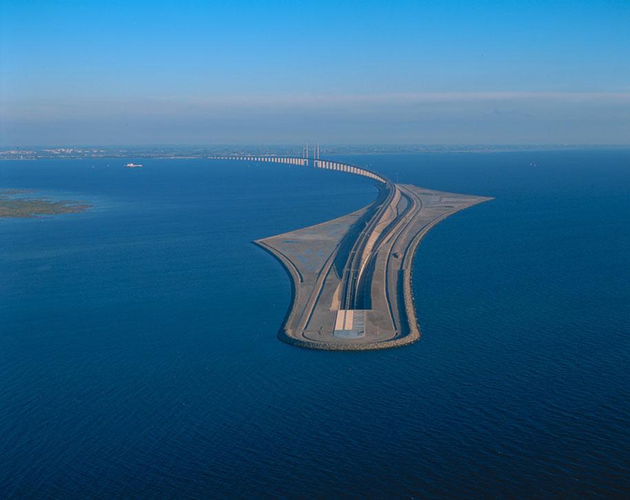Мост, который превращается в подводный тоннель, соединяя Данию и Швецию