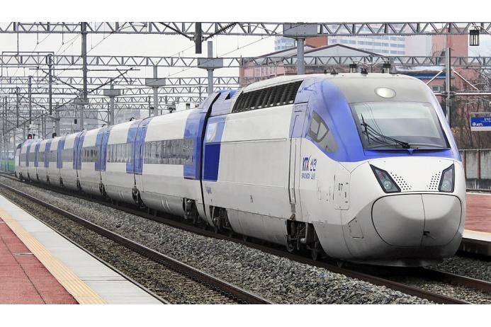 Южнокорейский электропоезд KTX Sancheon был построен компанией Hyundai Rotem на основе технологий французских поездов TGV