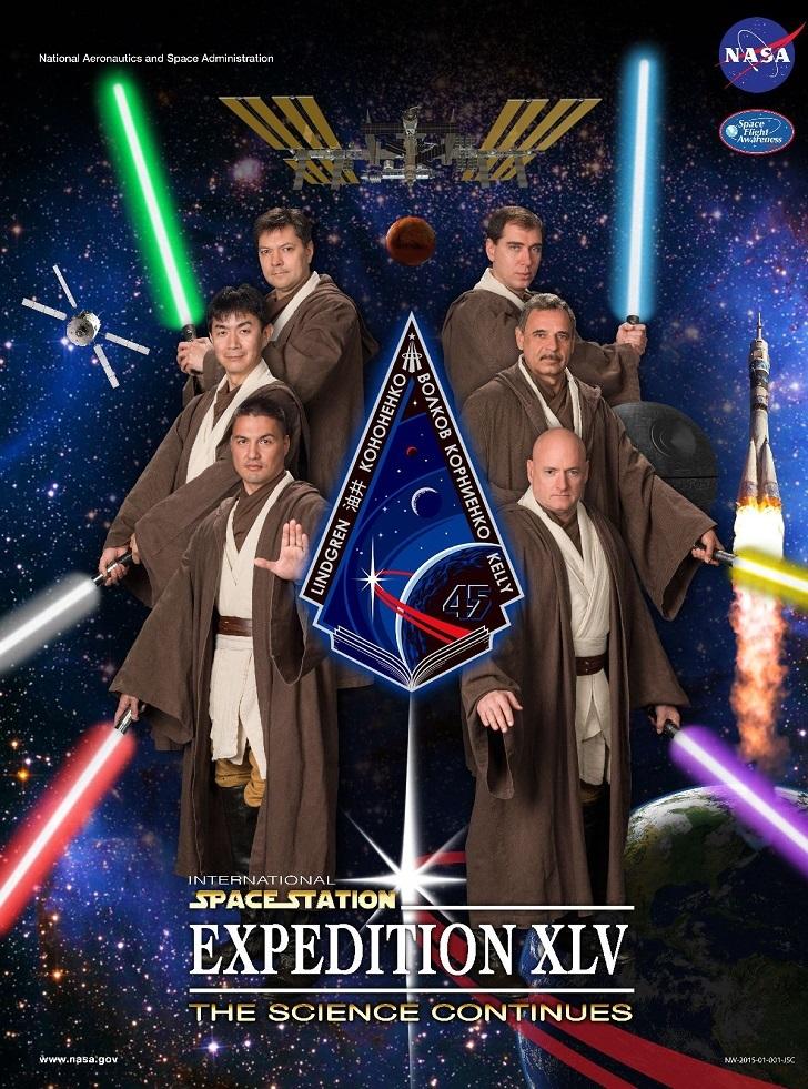 Юмор в стиле НАСА. Кинопостеры астронавтов, летящих на МКС