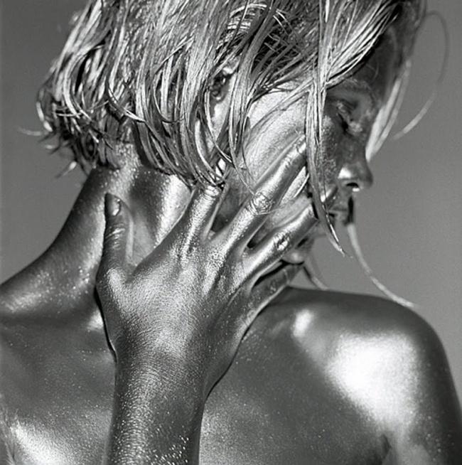 Фотограф превращает женщин в полные эротизма живые скульптуры