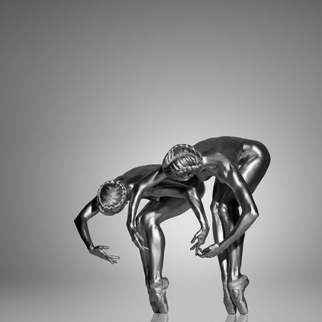 2401860-R3L8T8D-650-6_silver_body_painting_guido_argentini18