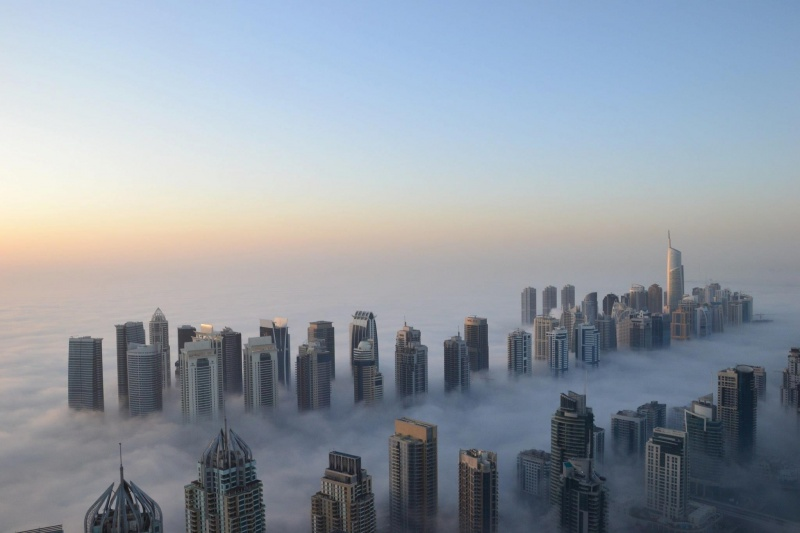 2495760-R3L8T8D-800-dubai-morning-fog-cool-skyscrapers-height