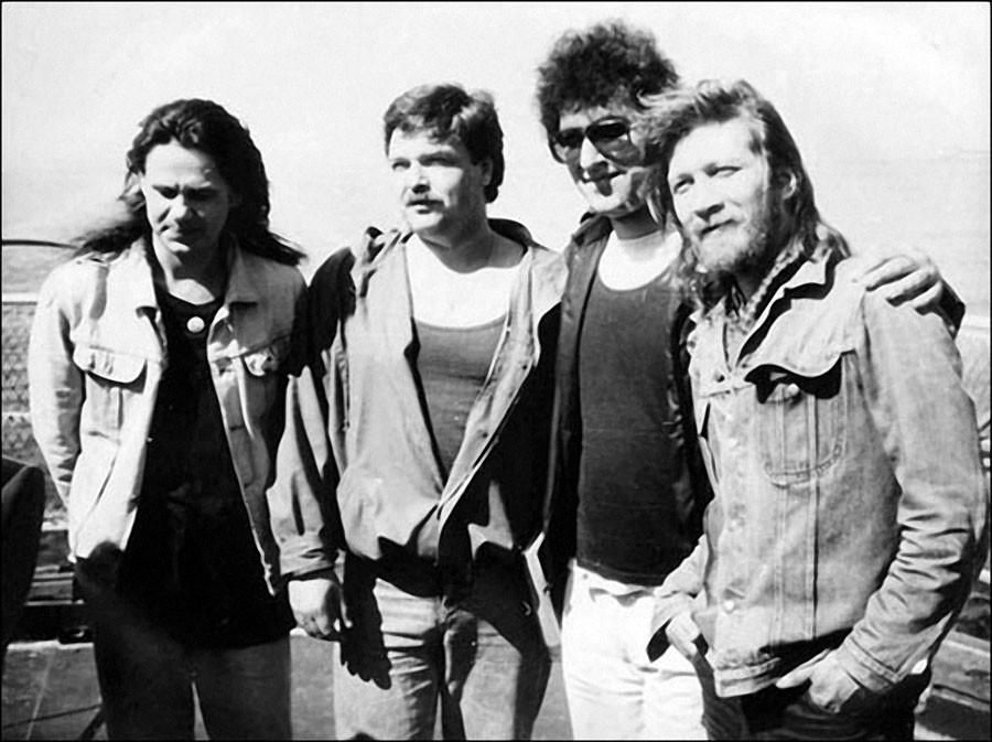 На Соловецком рок-форуме. Чиж, старпом ледокола Руслан, Григорян и Троегубов.